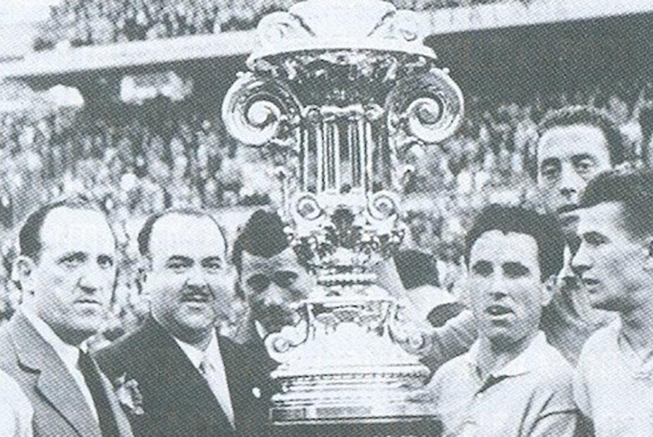 Lazio Lifting the Trofeo Teresa Herrera in 1950