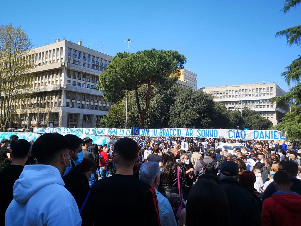 Banner outside Daniel Guerini's Funeral - Source: La Lazio Siamo Noi