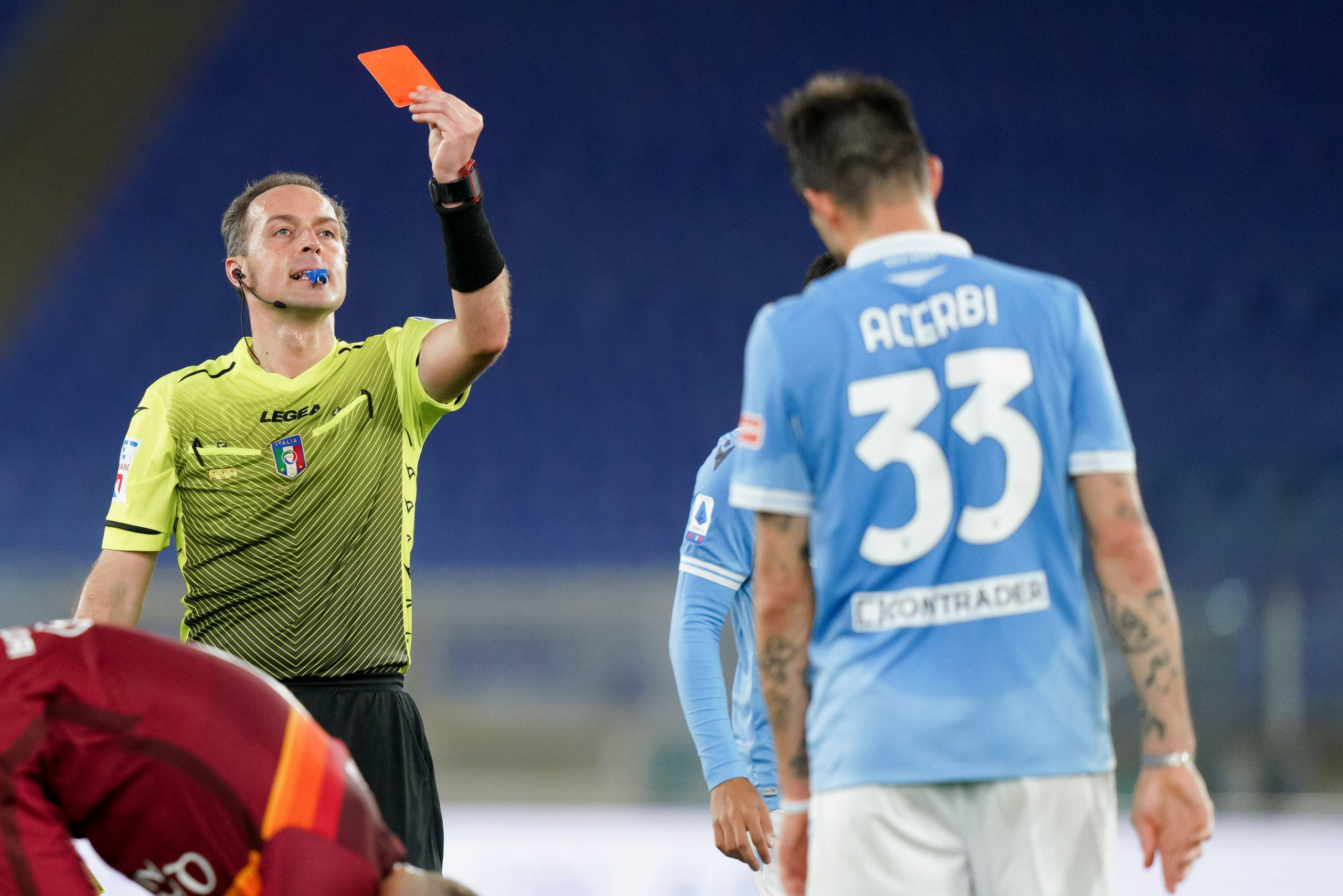 """Acerbi Handed Roma the Victory"""" - Italian Football Pundit Rips Lazio  Defender for His Performance in the Derby della Capitale 